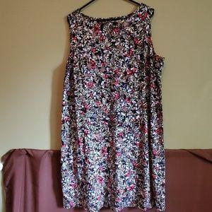 Gorgeous sleeveless knee length dress